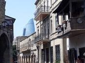 Cosa vedere centro Baku dove tradizioni millenarie modernità vanno braccetto