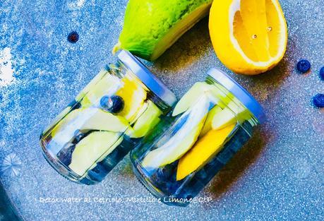 Detox water al Cetriolo, Mirtillo e Limone