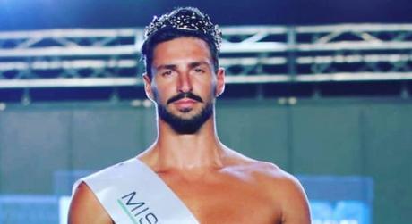 È napoletano l'uomo più bello d'Italia, laureato e sportivo: chi è