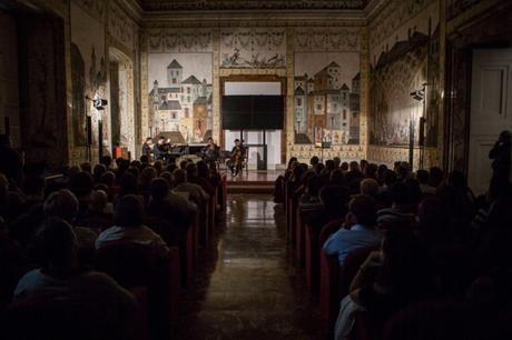 Concerti alla Reggia di Portici e al Granatello: il programma e i vip che verranno