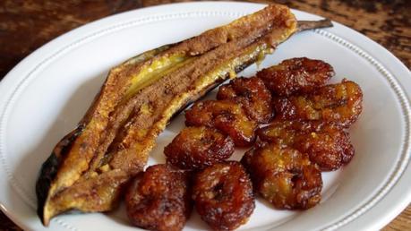Platano arrosto o fritto (Banana da terra assada ou frita)
