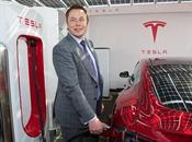 Tesla crolla Borsa, Musk accusato frode dalla