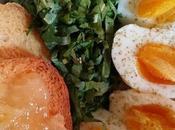 Soft boiled eggs alle mattino