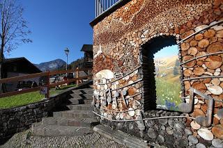Concorso Rai Alle Falde del Kilimangiaro  Mezzano di Primiero (Tn)  candidato a Borgo dei Borghi  Un voto al giorno dal 9 ottobre al 22 novembre