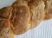 Pane intrecciato farina ceci semi lino