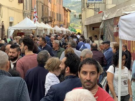 A Pergola arriva la terza domenica della Fiera Nazionale del Tartufo, atteso un altro pieno di visitatori