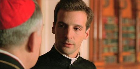 Stasera in tv su Iris alle 21 Amen., il film di Costa-Gavras che denuncia le responsabilità della Chiesa nei confronti dell'eccidio nazista