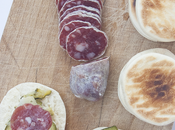 Tigelle fatte casa zucchine spadellate, formaggio salame Berlinghetto