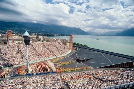 Il palcoscenico dell'edizioIl palcoscenico dell'edizione 1999ne 1999