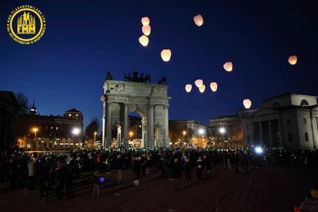 Nell'immagine: l'evento Merry Flashmas di Flash Mob Milano all'Arco della Pace. Quest'anno si sposterà a Napoli in Piazza del Plebiscito il 15 dicembre 2018