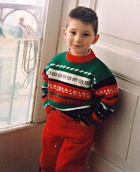 Stefano de Martino posta una sua foto a 4 anni: la somiglianza con Santiago è enorme