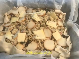 Torta di polenta e funghi in guscio di sfoglia