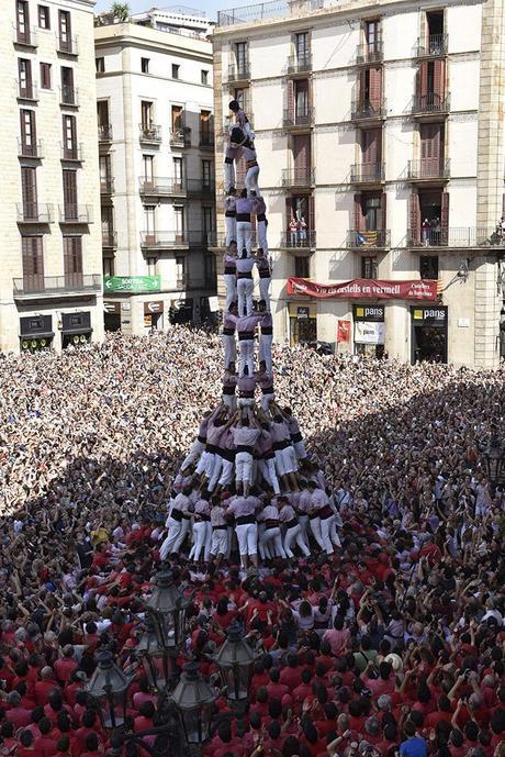 Lo spettacolo delle torri umane in Catalogna – 10 cose da sapere dei Castellers