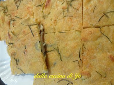 Mega galletta di patate e zucchine