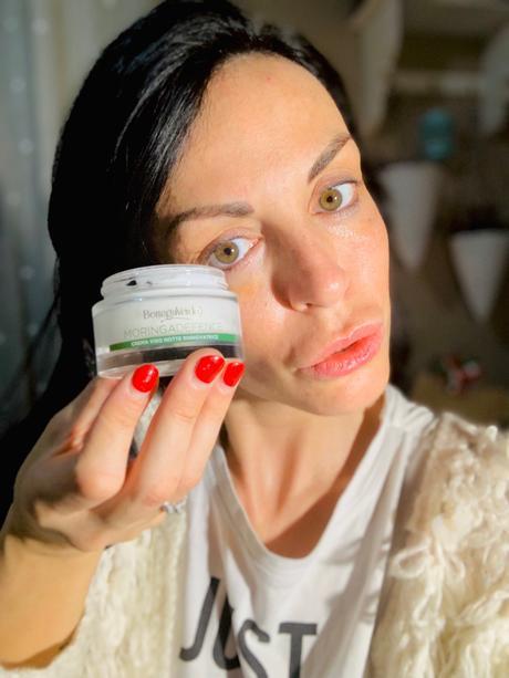 Pelle sempre giovane e luminosa con la Linea Moringa Defence di Bottega Verde: la mia detox routine