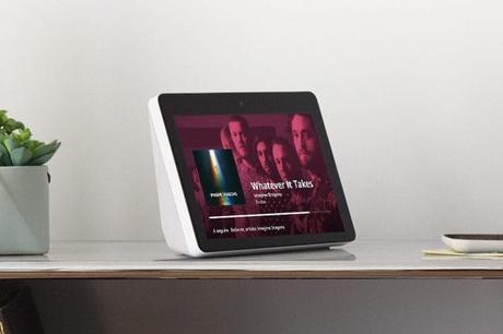 Amazon Echo Show: arriva in Italia il dispositivo con schermo da 10 pollici e Alexa