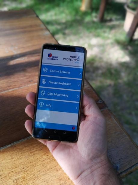 Come difendere smartphone e computer da virus e malware in viaggio