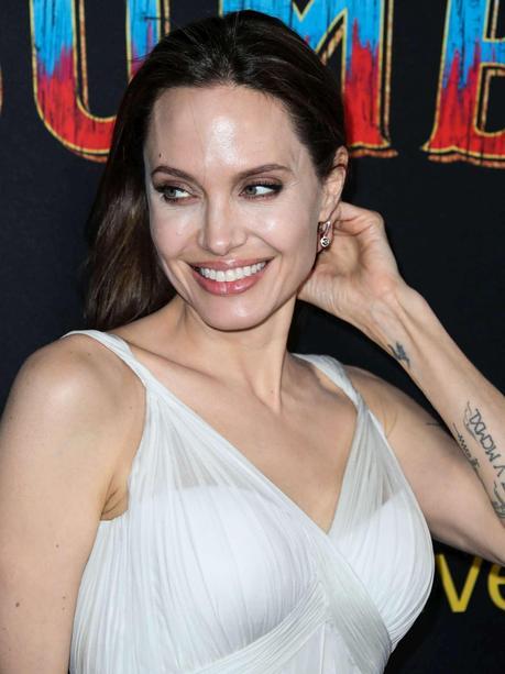 Canalis e Jolie insieme al cinema: vecchie amiche, ma nessun saluto tra le due