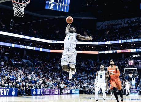 Che ritorno per Zion Williamson! 29 punti senza errori e Duke vola in ACC