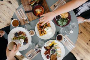 Mangiare prima – Mangiare più tardi nel corso della giornata provoca un aumento di peso