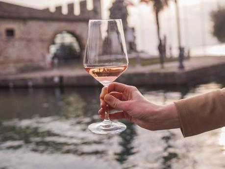 La rivincita del vino rosè: nasce l'Istituto del Vino Rosa Autoctono Italiano
