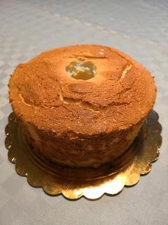 Angel cake decorata