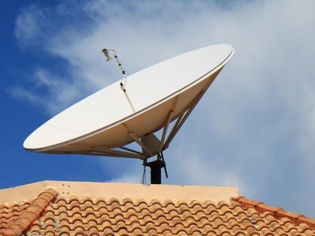 Sequestrata rete televisiva abusiva sul Vesuvio: mandava messaggi ai detenuti