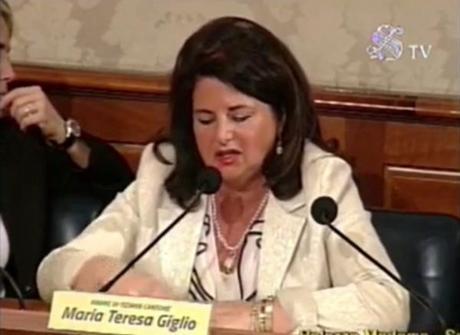 """Video. La mamma di Tiziana: """"Leggo ancora offese becere e volgari verso mia figlia"""""""