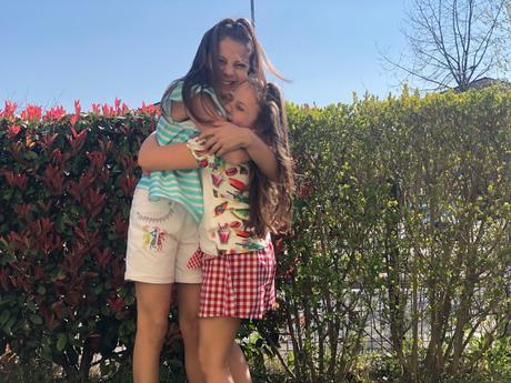 Stella e Asia in total look ss19 rosalita senoritas