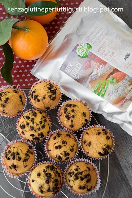 Muffin all'arancia con gocce di cioccolato senza glutine