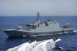 Nave Cigala Fulgosi della Marina Militare Italiana salva 36 naufraghi