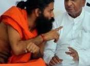 Ramdev Baba stop digiuno, pero lotta alla corruzione continua.