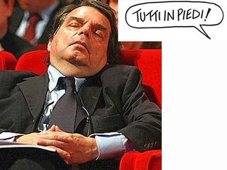 Brunetta: questa è l'Italia peggiore. Santoro: tutti in piedi