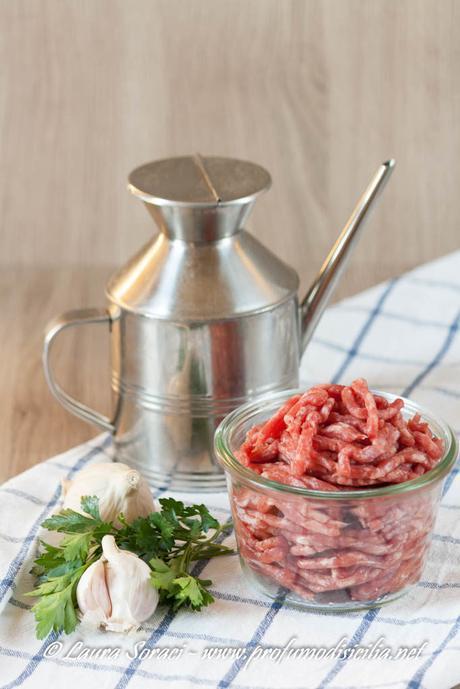 Ingredienti semplici che diventano speciali per questo piatto di zucchine tonde