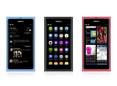Nokia presenta N9, il primo smartphone all screen con MeeGo