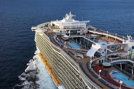 Classe oasis le navi da crociera pi grandi al mondo for Ponte delle cabine di rapsodia dei mari 2