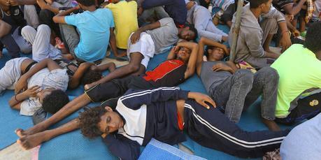 Risultati immagini per migranti in libia