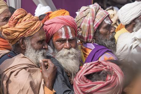 Central India 37 - Il bagno di folla