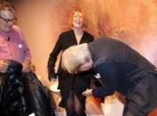 Sgarbi furioso: Marina Ripa Meana lancia pipì d'artista durante un'intervista!