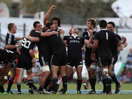 Ancora Junior All Blacks, ma che fatica con gli inglesi