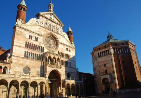 Per le vie di Cremona con i personaggi di Marco Ghizzoni
