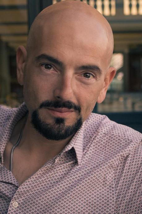 Marco De Domenico speaker e doppiatore con una gamba sola
