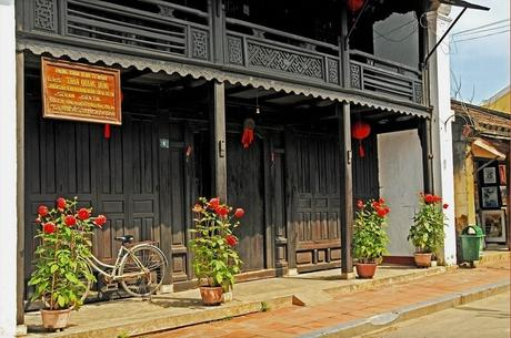 The Old House of Phung Hung