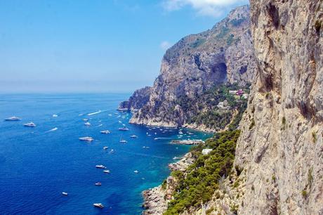 Isola di Capri nel Golfo de Napoli, Italia | Cosa vedere a Napoli in 2 o 3 giorni