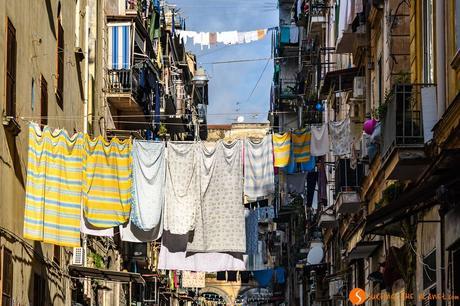 Strada tipica, Napoli, Italia