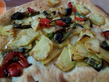 La pizza agli ortaggi, un piatto per salutare la fine dell'estate