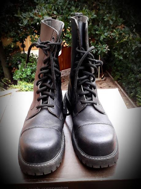 Vendesi anfibi NAE Vegan Shoes - modello B-Gun n. 37