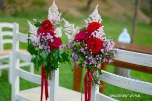 Rose rosse e juliet color pesca per un bouquet speciale