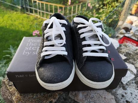 Vendesi sneakers NAE Vegan Shoes - modello Basic Piñatex n. 36