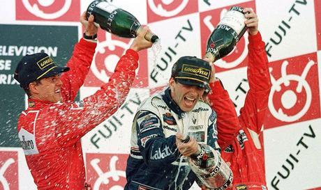 Damon Hill si aggiudica l'ultimo appuntamento in Giappone